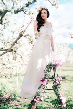 """""""Duchess"""" Gown...Perfect for a Special Day ~ Ladder Included!"""