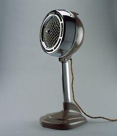 Heat king fan heater (circa by designer Dave Chapman Antique Fans, Vintage Fans, Retro Vintage, Vintage Decor, Radios, Streamline Moderne, Streamline Art, Object Photography, Vintage Appliances