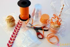 Cupcake To Go Container | So You Think You're CraftySo You Think You're Crafty