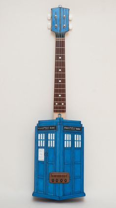 Custom Shaped/Painted Doctor Who TARDIS Ukulele. I would learn how to play ukulele just to play on this! David Tennant, Matt Smith, Ukulele Art, Ukulele Songs, Good Vibe, Doctor Who Tardis, Time Lords, Dr Who, Superwholock