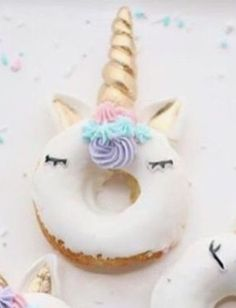 Donas decoradas de unicornio