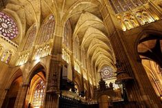 Actualizamos la Catedral de León.  #historia #turismo  http://www.rutasconhistoria.es/loc/catedral-de-leon