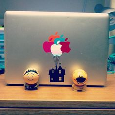 Up Macbook! Im so doing a cool skin on my laptop next year.