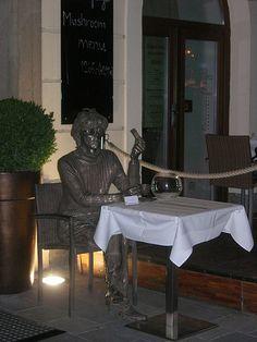 Andy Warhol - Bratislava I'm going to find him and swear at him. Bratislava, Andy Warhol, Bronze Sculpture, Sculpture Art, European Integration, Church Building, Central Europe, My Heritage, Czech Republic