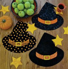 Winifred's Party - Placemats and mug mats, Table Topper - Pattern - by Susie Shore Designs - Witch hat, Halloween, Sew cute! Halloween Sewing Projects, Halloween Quilts, Halloween Crafts, Halloween Decorations, Sewing Crafts, Sewing Tips, Sewing Hacks, Sewing Tutorials, Whimsical Halloween