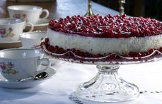 Varpulan kevennetty juustokakku, resepti – Ruoka.fi - Cheese cake with lingonberry Finland