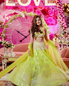 Looking for Bridal Lehenga for your wedding ? Dulhaniyaa curated the list of Best Bridal Wear Store with variety of Bridal Lehenga with their prices Mehendi Outfits, Bridal Outfits, Elegant Dresses, Formal Dresses, Bollywood Lehenga, Mehndi Dress, Bridal Lehenga, Indian Designer Wear, Bridal Portraits