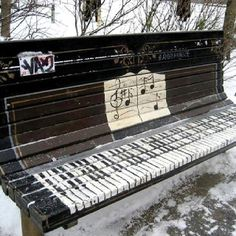 Art deco If you're going to do graffiti, do it so others can enjoy it as well. This makes me happy street art Then there was one -. 3d Street Art, Street Art Graffiti, Banksy, Urbane Kunst, Piano Bench, Graffiti Artwork, Music Graffiti, Ansel Adams, Outdoor Art