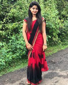 Beautiful Girl Photo, Beautiful Girl Indian, Beautiful Saree, Beautiful Indian Actress, Beautiful Outfits, Beautiful Women, Indian Photoshoot, Saree Photoshoot, Sarees For Girls