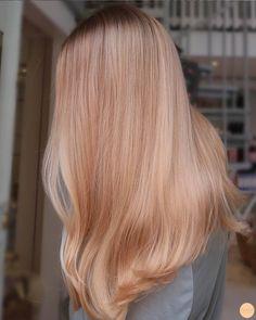 Ice Blonde Hair, Blonde Dye, Strawberry Blonde Hair Color, Blonde Hair Looks, Peach Hair, Pink Hair, Dyed Hair, Hair Inspiration, Hair Beauty