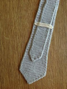 Skinny Crochet Tie Free PatternSkinny Crochet Tie Free PatternSew with fabric remnants Crochet Men, Crochet Crowd, Crochet Gifts, Free Crochet, Irish Crochet, Beginner Crochet, Necktie Pattern, Knit Tie, Skinny Ties
