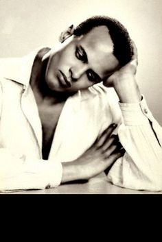 "hollyhocksandtulips: "" Harry Belafonte, 1954 Photo by Dorothy Wilding "" Hollywood Actor, Hollywood Glamour, Classic Hollywood, Old Hollywood, Harry Belafonte, My Black Is Beautiful, Beautiful People, Calypso Music, Great Smiles"