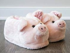 Comfy and cozy piggy gift for Christmas. Cute & fun gift for pet pig owners and animal lovers Sister Christmas Presents, Presents For Best Friends, Sister Gifts, Funny Pigs, Pet Pigs, Little Pigs, Cute Pink, Pet Supplies, Baby Gifts