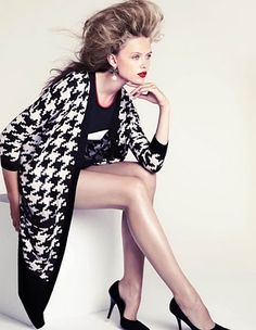 "Monochrome / Black and White fashion editorial - hounds-tooth http://pinterest.com/arenaint  gotta love the 80"" look"