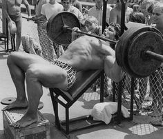 Arnold Schwarzenegger - Incline Barbell Bench Press, like a boss