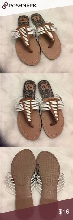 NWOTB Dolce Vita Sandals Flip Flops size 7.5 Cute NWOTB Dolce Vita Women's Ladies Sandals Flip Flops size 7.5. These sandals are so fashionable! Can be worn with almost any outfit. Come from a pet free and smoke free home. Please check out my other listings! Thanks! Dolce Vita Shoes Sandals