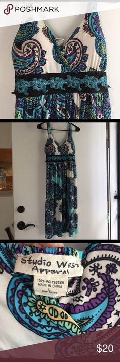 Studio west sundress Beautiful paisley sundress. Adjustable straps, elastic in the back, self tie at the waist, padding in the top for coverage. Very soft flowy fun dress. studio west apparel Dresses Midi