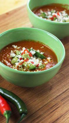 Tomaten-Avocado-Suppe mit Feta / Tomato avocado soup with feta cheese