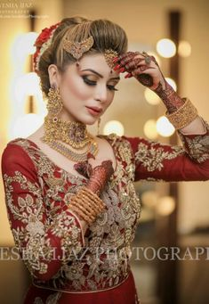Fulfill a Wedding Tradition with Estate Bridal Jewelry Pakistani Bridal Hairstyles, Pakistani Bridal Makeup, Pakistani Wedding Outfits, Bridal Lehenga, Bridal Makeup Looks, Bridal Looks, Bridal Style, Beautiful Bridal Dresses, Beautiful Bride