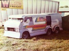 Vans & The Vannin' Lifestyle Old School Vans, Van Car, Chevy Van, Cool Vans, Little Cabin, Vintage Vans, Custom Vans, Camping Survival, Tandem