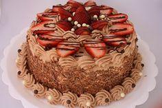 + de + schokolade + × - Bolos e tortas Chocolate Cake Icing, Chocolate Recipes, Brithday Cake, Cool Cake Designs, Classic Cake, Just Cakes, Cake Decorating Tips, Buttercream Cake, Creative Cakes