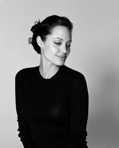 angelina jolie, black and white, contrast, pretty Brad Pitt, Foto Tablet, Foto Cv, Beautiful People, Most Beautiful, Brad And Angelina, Jolie Pitt, Portraits, Famous Faces
