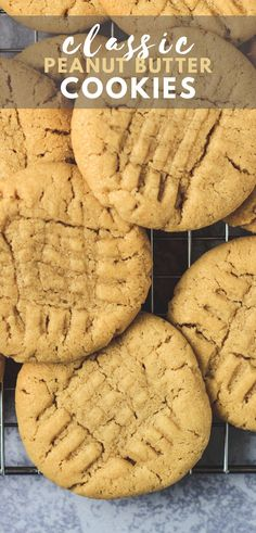Classic Peanut Butter Cookies - Deliciously soft and chewy peanut butter cookies that are LOADED with flavour, and finished off with a crisscross pattern. The perfect peanut butter cookies! Homemade Peanut Butter Cookies, Classic Peanut Butter Cookies, Best Peanut Butter, Butter Chocolate Chip Cookies, Peanut Better Cookies, Peanut Butter Biscuits, Gooey Butter Cookies, Peanut Cookies, Almond Butter Cookies