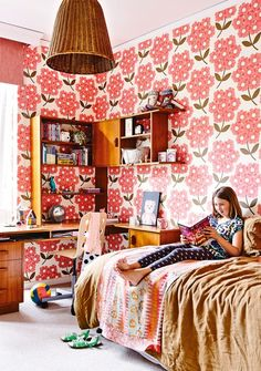 Blooming beautiful #wallpaper in this #kidsroom. From the July issue of Inside Out. Styling by Rachel Vigor. Photography by Derek Swalwell.