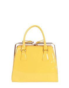 15a135881 Las 8 mejores imágenes de Bolsos de moda   Fashion handbags, Athlete ...