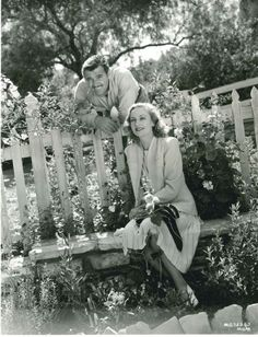 Clark Gable and Carole Lombard in an idyllic setting