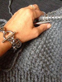 """Lises hjertgleder: """"Michael Kors"""" genser i perlestrikk . Crochet, Michael Kors, Knitting, Bracelets, Silver, Jewelry, Tricot, Jewlery, Money"""