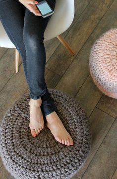 motleymakery: Free Pattern for these chunky Crocheted Cushions/Poufs: From Joann.