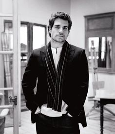 Henry Cavill. What a delicious man.