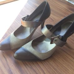 Gianni Bini suede and leather upper shoe Gianni Bini suede and leather upper shoe, perfect for work and Mary Jane type style with front band Gianni Bini Shoes Heels