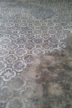 Stenciled concrete floor <3 www.thestatementnecklace.com