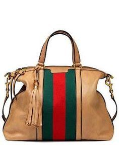 Gucci I actually love this bag! - Gucci Handbags - Ideas of Gucci Handbags - Gucci I actually love this bag! Beautiful Handbags, Beautiful Bags, Unique Handbags, Gucci Purses, Purses And Handbags, Gucci Gucci, Gucci Handbags Outlet, Burberry, Prada Handbags