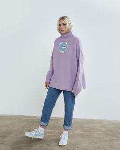 Explore our range of women's jumpers: from playful prints to casual shapes, we have iconic vintage jumpers, plus a variety of different styles for women. Feminine Style, Feminine Fashion, Vintage Jumper, Lazy Oaf, Jumpers For Women, Different Styles, Normcore, Graphic Sweatshirt, Aw17
