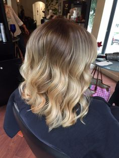Love this soft blonde look. Color melt process while tipping the ends makes for a fresh new look. Balayage Hair Purple, Balayage Hair Copper, Balayage Hair Blonde Medium, Copper Hair, Silver Hair, Purple Hair, Ombre Hair, Blonde Gif, Cool Blonde