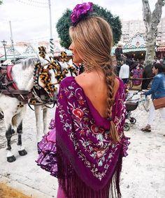 Spanish Woman, Spanish Fashion, Retro Fashion, Womens Fashion, Vintage Outfits, Spain, Kimono Top, Crochet Hats, Costumes