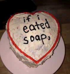 Funny Birthday Cakes, Funny Cake, Ugly Cakes, Cake Board, Just Cakes, Pretty Cakes, Mood Pics, Decir No, Cake Decorating