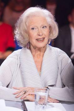 Legendy PRL. Beata Tyszkiewicz: niekwestionowana dama polskiego kina - Plejada.pl Love S, Real Women, Blond, Actresses, Cinema, Polish, Age, Fashion, Maturity