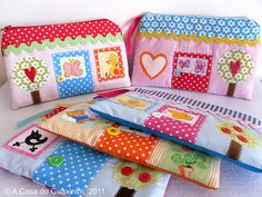 cute little house pouches - could also make without the zipper