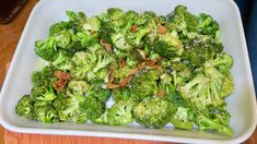 It's the perfect side dish!  Broccoli topped with bacon and minced garlic, oven baked for 20 minutes. YUM! More tasty and EASY recipes at susosfork.com.
