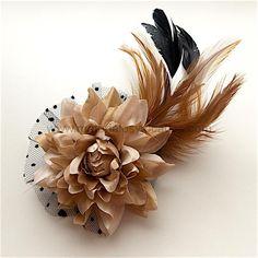 Flor de encaje y plumas con sujeción de pinza e imperdible 25cm- mod. ZIREL - Materiales y tocados