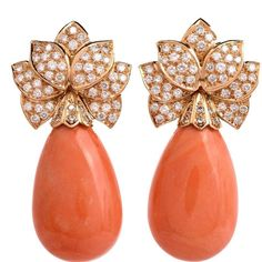 These impressive estate coral drop earrings are crafted in yellow gold. These circa earrings incorporate 2 substantial natural coral of charming salmon orange color, pear drop shape with natural inclusions, measuring approx. Emerald Green Earrings, Gold Diamond Earrings, Coral Jewelry, Emerald Earrings, Fine Jewelry, Stud Earrings, Diamond Stud, Jewellery, Women's Jewelry