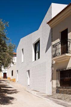 2 Viviendas sociales, Torre de Miguel Sesmero  / GAas architecture studio