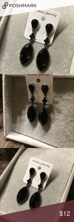 New Attractive Austrian Black Crystal Earrings Pretty Black Austrian Crystal surrounded with Small Black Rhinestones Jewelry Earrings