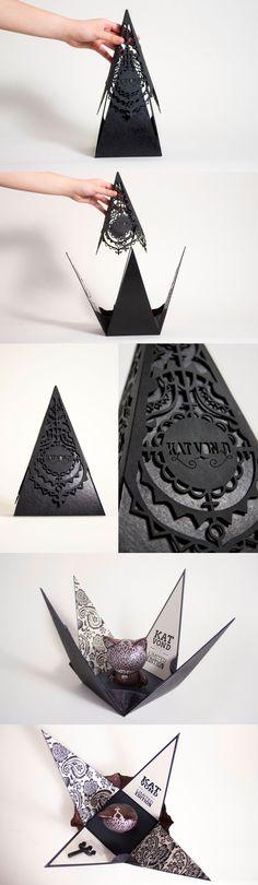 Este #packaging, creado por MeiCheng Wang, para una edición limitada de KidRobot