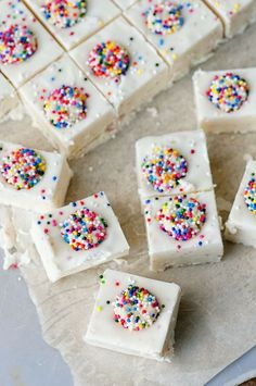 Sugar Cookie Fudge: Creamy fudge made with sugar cookie melts, white chocolate and mini sugar cookies...all topped with sprinkles.
