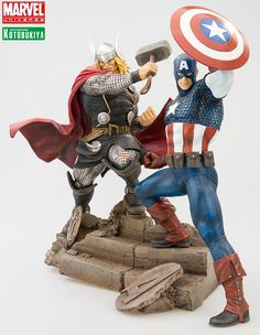 omg my favorite Avengers! In one statue set?! Want!